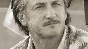 Verleihung Golden Icon Award: Sean Penn