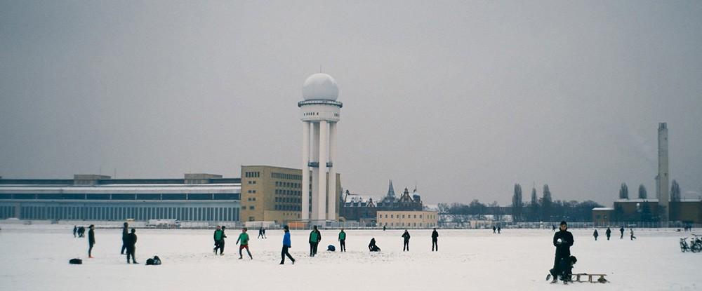 Zentralflughafen THF / Central Airport THF
