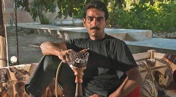 I Want to Be a King / Man Mikham Shah Besham