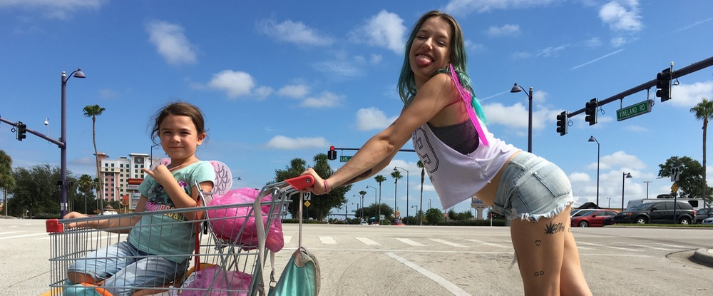 THE FLORIDA PROJECT_01_mood
