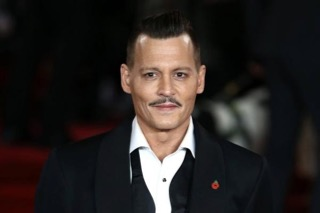 green_carpet_johnny_depp