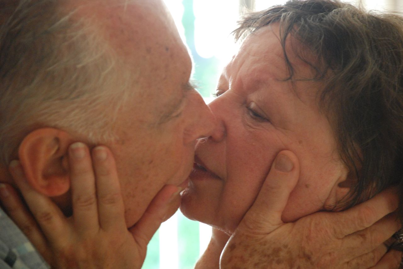 Секс старых баб со стариками видео, секс в миссионерской позе порно видео смотреть онлайн